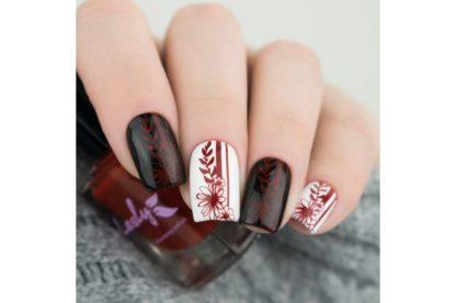 дизайн ногтей бардовый лак для стемпинга